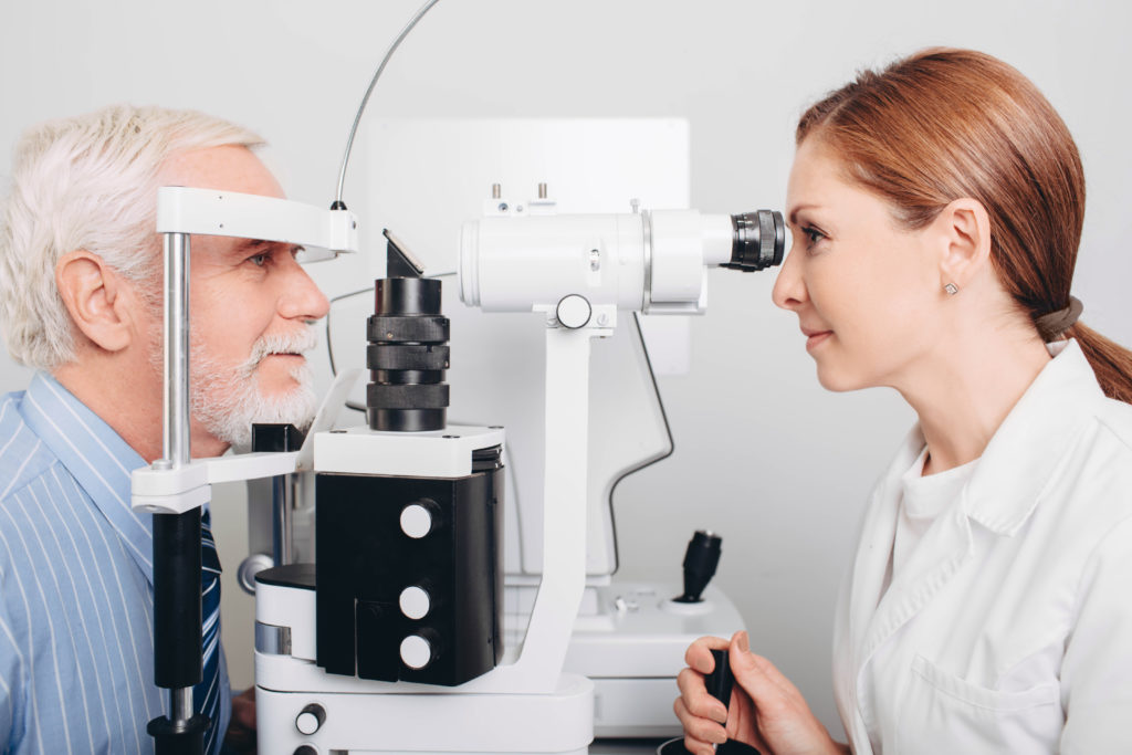 Things to Keep in Mind While Looking Out for an Eye Doctor